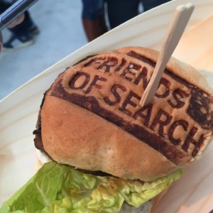 Is een hamburger ook content? Lekkere branded burger tijdens Friends of Search