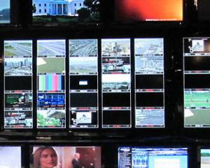 Header afbeelding toont veel verschillende video schermen